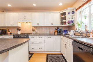 Photo 3: 10621 WESTSIDE Drive in Delta: Nordel House for sale (N. Delta)  : MLS®# R2194744