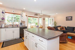 Photo 4: 10621 WESTSIDE Drive in Delta: Nordel House for sale (N. Delta)  : MLS®# R2194744