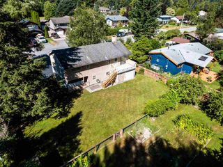 Photo 2: 41520 GRANT Road in Squamish: Brackendale House for sale : MLS®# R2198919