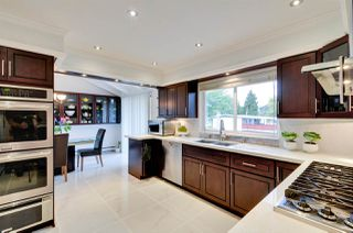 """Photo 3: 5376 FOREST Street in Burnaby: Deer Lake Place House for sale in """"DEER LAKE PLACE"""" (Burnaby South)  : MLS®# R2212663"""
