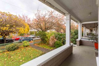 "Photo 2: 1738 CHARLES Street in Vancouver: Grandview VE House for sale in ""COMMERCIAL DRIVE"" (Vancouver East)  : MLS®# R2223447"
