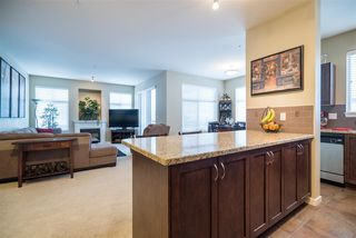 Photo 4: 303 2336 WHYTE AVENUE in Port Coquitlam: Central Pt Coquitlam Condo for sale : MLS®# R2138172
