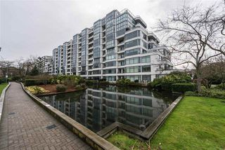 "Photo 2: 514 456 MOBERLY Road in Vancouver: False Creek Condo for sale in ""PACIFIC COVE"" (Vancouver West)  : MLS®# R2236509"
