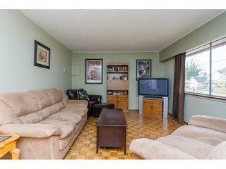 "Photo 4: 9718 153A Street in Surrey: Guildford House for sale in ""Guildford"" (North Surrey)  : MLS®# R2244918"
