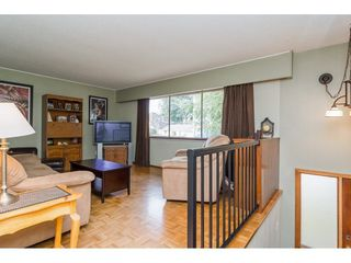 "Photo 3: 9718 153A Street in Surrey: Guildford House for sale in ""Guildford"" (North Surrey)  : MLS®# R2244918"