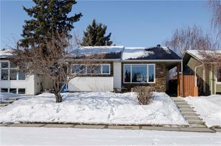 Photo 1: 75 SUMMERWOOD Road SE: Airdrie House for sale : MLS®# C4174518