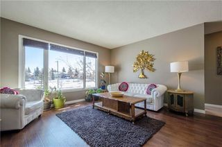Photo 5: 75 SUMMERWOOD Road SE: Airdrie House for sale : MLS®# C4174518