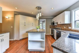 """Photo 7: 21152 YEOMANS Crescent in Langley: Walnut Grove House for sale in """"Walnut Grove"""" : MLS®# R2255123"""