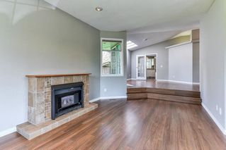 """Photo 3: 21152 YEOMANS Crescent in Langley: Walnut Grove House for sale in """"Walnut Grove"""" : MLS®# R2255123"""