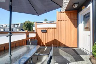 Photo 9: 7 48 Montreal St in VICTORIA: Vi James Bay Row/Townhouse for sale (Victoria)  : MLS®# 794940