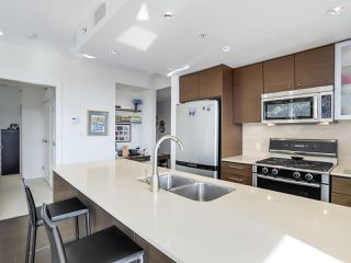 """Photo 8: 606 7373 WESTMINSTER Highway in Richmond: Brighouse Condo for sale in """"CRESSY'S """"THE LOTUS"""""""" : MLS®# R2310119"""