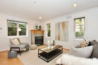 Photo 2: 348 W 12TH Avenue in Vancouver: Mount Pleasant VW Townhouse for sale (Vancouver West)  : MLS®# R2316742