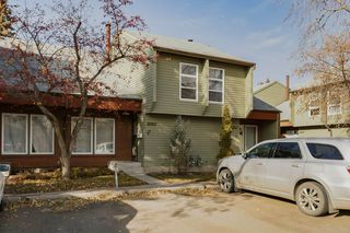 Main Photo: 5409 HILL VIEW Crescent in Edmonton: Zone 29 Townhouse for sale : MLS®# E4133922