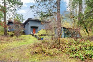 Photo 25: 305 W Viaduct Avenue in VICTORIA: SW Prospect Lake Single Family Detached for sale (Saanich West)  : MLS®# 401980