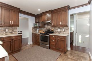 "Photo 8: 5811 ANGUS Place in Surrey: Cloverdale BC House for sale in ""Jersey Hills"" (Cloverdale)  : MLS®# R2326051"