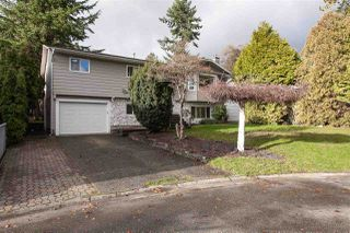 "Photo 2: 5811 ANGUS Place in Surrey: Cloverdale BC House for sale in ""Jersey Hills"" (Cloverdale)  : MLS®# R2326051"