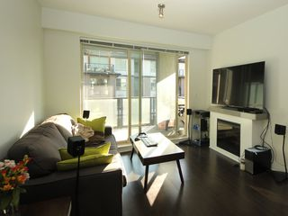 """Photo 2: 314 7418 BYRNEPARK Walk in Burnaby: South Slope Condo for sale in """"Green"""" (Burnaby South)  : MLS®# R2330212"""