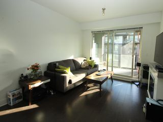 """Photo 3: 314 7418 BYRNEPARK Walk in Burnaby: South Slope Condo for sale in """"Green"""" (Burnaby South)  : MLS®# R2330212"""