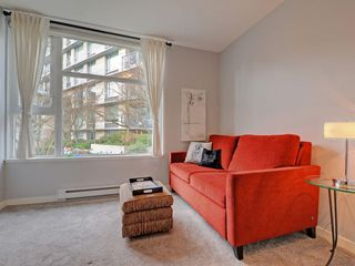 "Photo 13: 2711 PRINCE EDWARD Street in Vancouver: Mount Pleasant VE Townhouse for sale in ""UNO"" (Vancouver East)  : MLS®# R2336793"