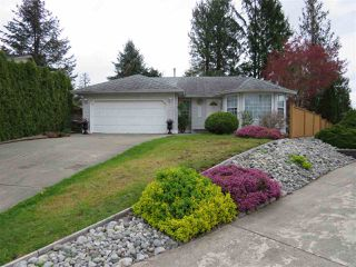 Photo 1: 8322 GALE Street in Mission: Mission BC House for sale : MLS®# R2358946
