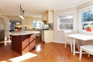 "Photo 4: 1645 138B Street in Surrey: Sunnyside Park Surrey House for sale in ""OCEAN PARK - CEDAR LANE"" (South Surrey White Rock)  : MLS®# R2360248"