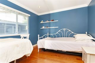 "Photo 16: 1645 138B Street in Surrey: Sunnyside Park Surrey House for sale in ""OCEAN PARK - CEDAR LANE"" (South Surrey White Rock)  : MLS®# R2360248"