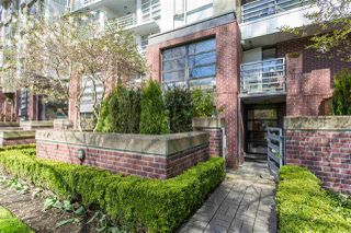 "Main Photo: 105 2137 W 10TH Avenue in Vancouver: Kitsilano Condo for sale in ""The ""I"""" (Vancouver West)  : MLS®# R2361154"