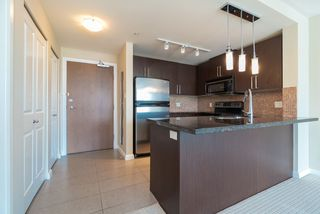Photo 4: 1807 888 CARNARVON Street in New Westminster: Downtown NW Condo for sale : MLS®# R2363931