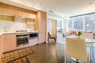 "Photo 6: 655 38 SMITHE Street in Vancouver: Downtown VW Condo for sale in ""ONE PACIFIC"" (Vancouver West)  : MLS®# R2365074"