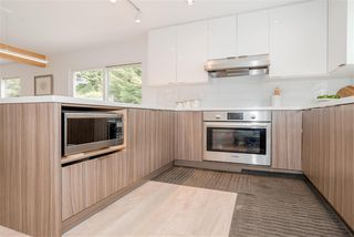 """Photo 8: 1264 BLUFF Drive in Coquitlam: River Springs House for sale in """"RIVER SPRINGS"""" : MLS®# R2368783"""