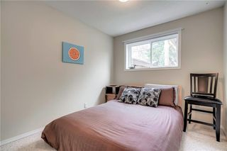 Photo 11: 3810 1 Street NW in Calgary: Highland Park Semi Detached for sale : MLS®# C4245221