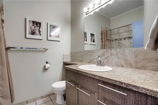 Photo 9: 3810 1 Street NW in Calgary: Highland Park Semi Detached for sale : MLS®# C4245221