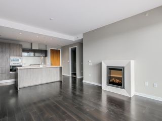 Photo 7: 1105 1661 Ontario St in SAILS-THE VILLAGE ON FALSE CREEK: Home for sale : MLS®# V1126890