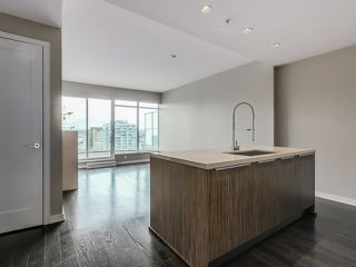 Photo 3: 1105 1661 Ontario St in SAILS-THE VILLAGE ON FALSE CREEK: Home for sale : MLS®# V1126890