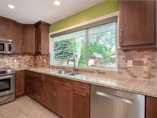 Photo 9: 5204 BAINES Road NW in Calgary: Brentwood Detached for sale : MLS®# C4253747