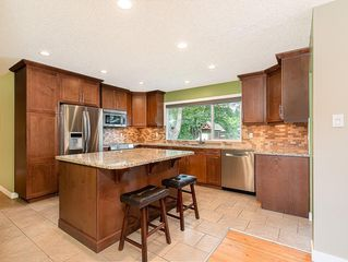 Photo 7: 5204 BAINES Road NW in Calgary: Brentwood Detached for sale : MLS®# C4253747