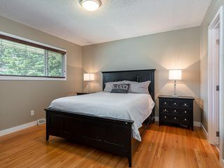 Photo 13: 5204 BAINES Road NW in Calgary: Brentwood Detached for sale : MLS®# C4253747