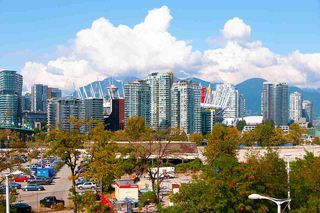 "Photo 6: 509 1919 WYLIE Street in Vancouver: False Creek Condo for sale in ""MAYNARDS BLOCK"" (Vancouver West)  : MLS®# R2401456"