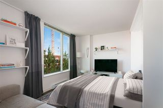 "Photo 4: 509 1919 WYLIE Street in Vancouver: False Creek Condo for sale in ""MAYNARDS BLOCK"" (Vancouver West)  : MLS®# R2401456"