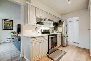 """Photo 4: 68 14123 104 Avenue in Surrey: Whalley Townhouse for sale in """"Hawthorne Park"""" (North Surrey)  : MLS®# R2432033"""