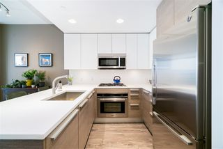 """Photo 11: 801 2008 ROSSER Avenue in Burnaby: Brentwood Park Condo for sale in """"Solo District- Stratus"""" (Burnaby North)  : MLS®# R2447893"""