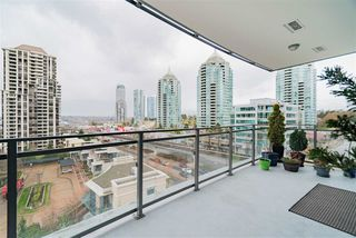 """Photo 4: 801 2008 ROSSER Avenue in Burnaby: Brentwood Park Condo for sale in """"Solo District- Stratus"""" (Burnaby North)  : MLS®# R2447893"""