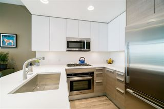 """Photo 10: 801 2008 ROSSER Avenue in Burnaby: Brentwood Park Condo for sale in """"Solo District- Stratus"""" (Burnaby North)  : MLS®# R2447893"""