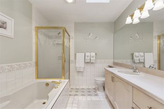 """Photo 15: 29 9168 FLEETWOOD Way in Surrey: Fleetwood Tynehead Townhouse for sale in """"THE FOUNTAINS"""" : MLS®# R2454853"""
