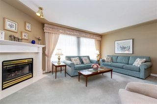 """Photo 4: 29 9168 FLEETWOOD Way in Surrey: Fleetwood Tynehead Townhouse for sale in """"THE FOUNTAINS"""" : MLS®# R2454853"""