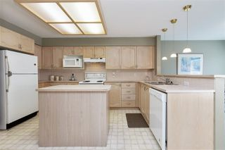 """Photo 8: 29 9168 FLEETWOOD Way in Surrey: Fleetwood Tynehead Townhouse for sale in """"THE FOUNTAINS"""" : MLS®# R2454853"""