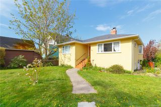 Photo 2: 613 Marifield Ave in Victoria: Vi James Bay House for sale : MLS®# 838007