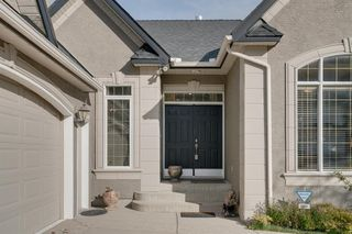 Photo 2: 302 Patterson Boulevard SW in Calgary: Patterson Detached for sale : MLS®# A1042544