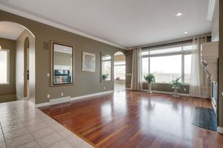 Photo 10: 302 Patterson Boulevard SW in Calgary: Patterson Detached for sale : MLS®# A1042544