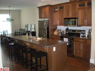 Photo 3: 13 45390 Vedder Mountain Road in Chilliwack: Townhouse for sale : MLS®# H1204206